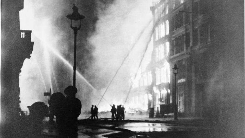Firefighting during the second world war. Photo: Wikipedia
