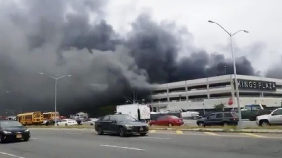 Heavy smoke coming from Kings Plaza in Brooklyn, New York. Photo: DSTV