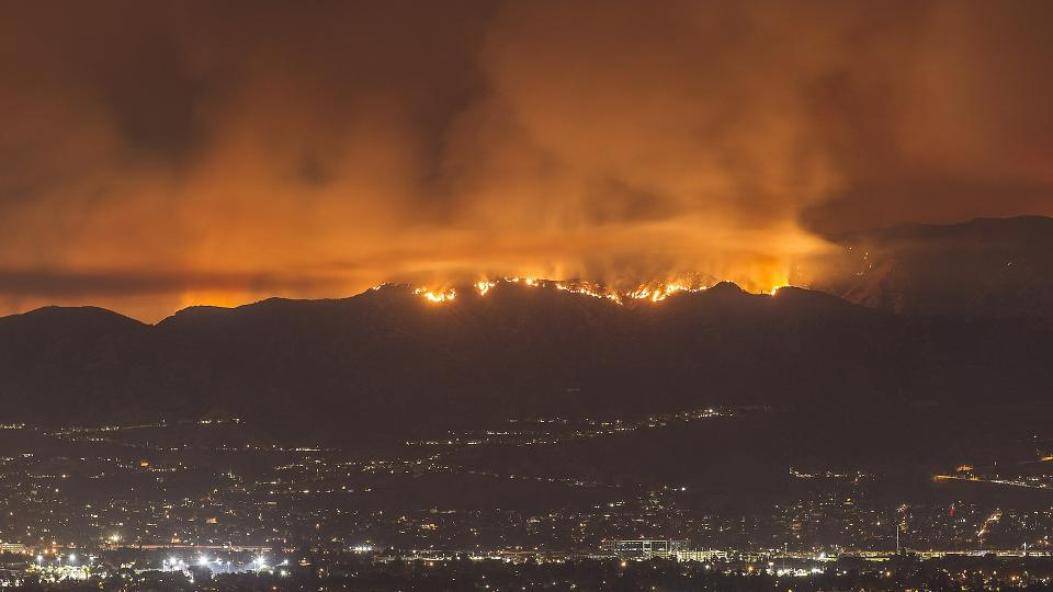 The La Tuna wildfire in Los Angeles 2017 was the largest in Los Angeles history. This image was originally posted to Flickr by Koala Yummies at https://flickr.com/photos/41802269@N03/36802535882. It was reviewed on 22 September 2017 by FlickreviewR and was confirmed to be licensed under the terms of the cc-by-sa-2.0.