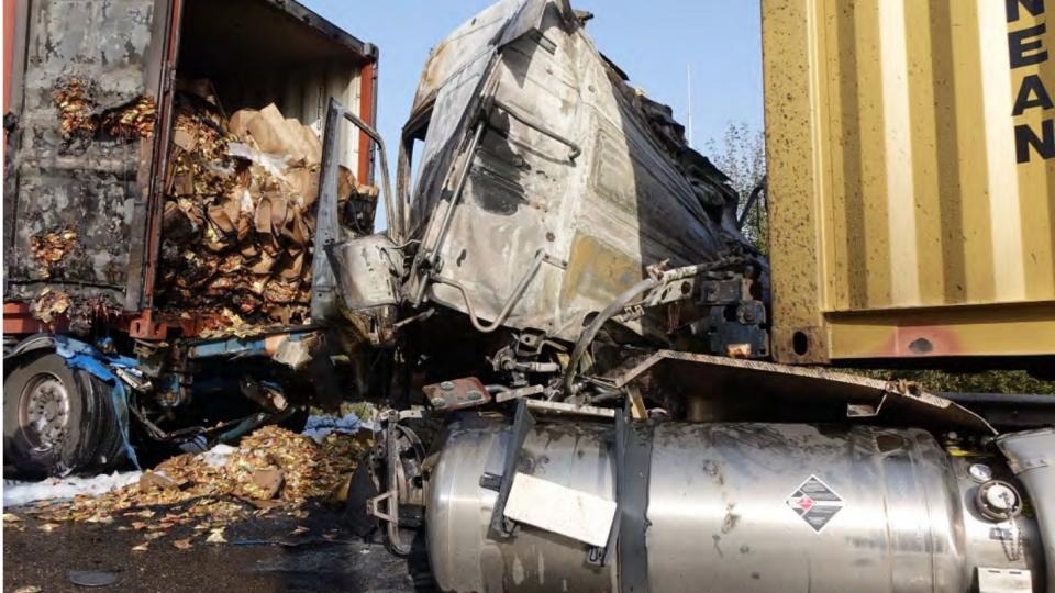 Photo showing the truck and the LNG tank after the accident
