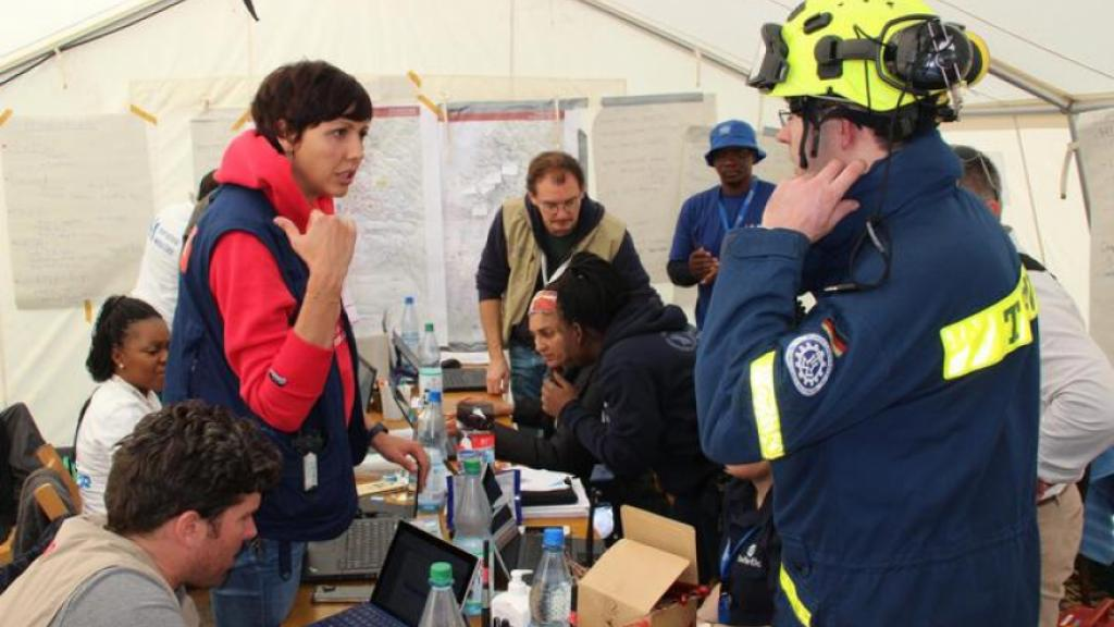 The exercise took place in difficult conditions, which made smooth consultation among the participants even more important. Source: THW/Frank Winterfeld