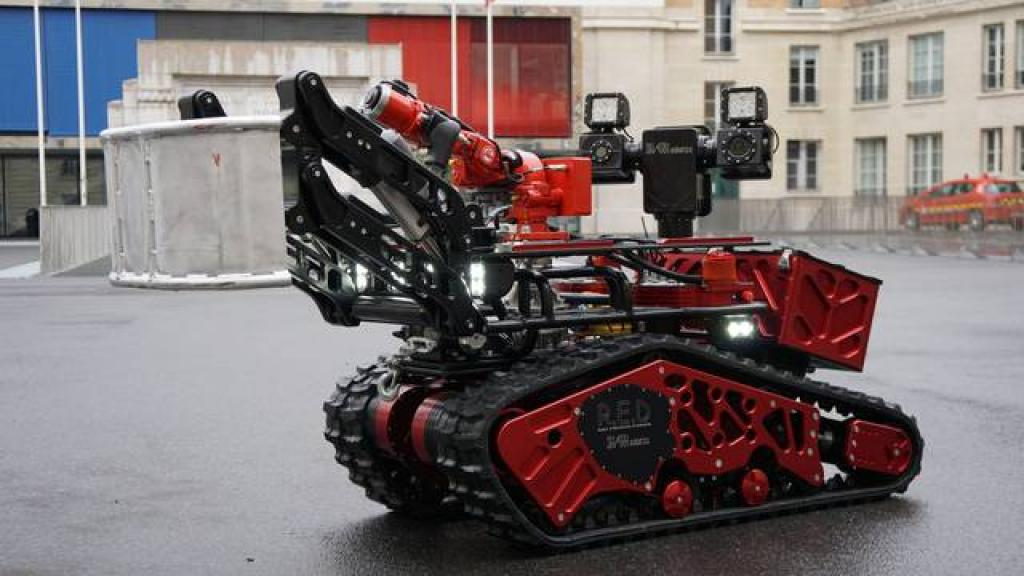 The Colossus firefighting robot